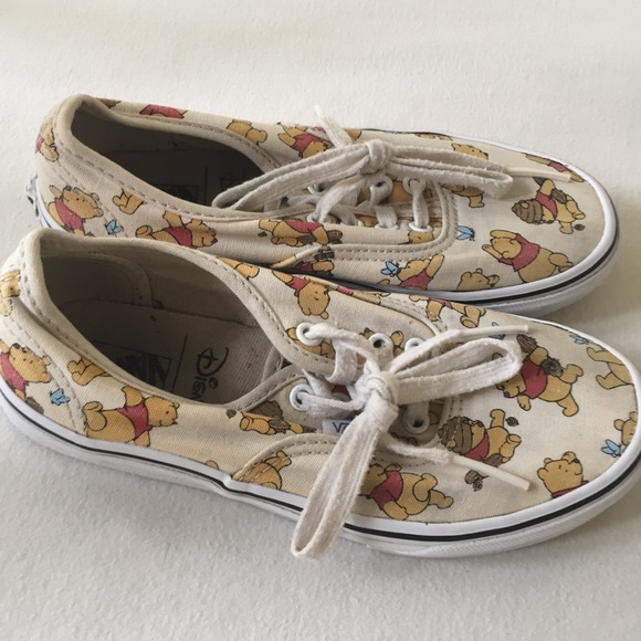 be481d9752 Pooh Shoes The Poshmark Print Disney Girls Rare Vans Winnie 2 w76xa6